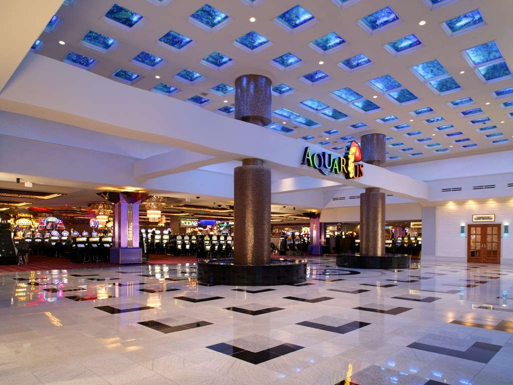 Aquarius Casino Resort, BW Premier Collection - Lobbyansicht