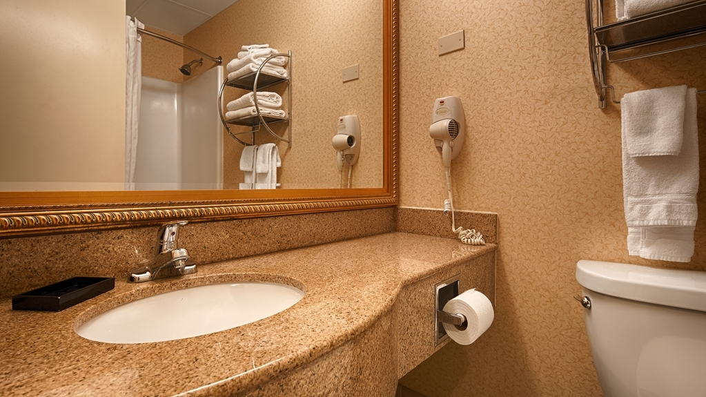 Best Western Plus Keene Hotel - Enjoy getting ready for the day in our fully equipped guest bathrooms.