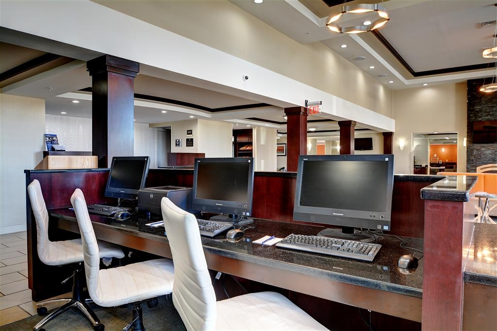 Best Western Plus Keene Hotel - Keep connected with your loved ones in our business center.