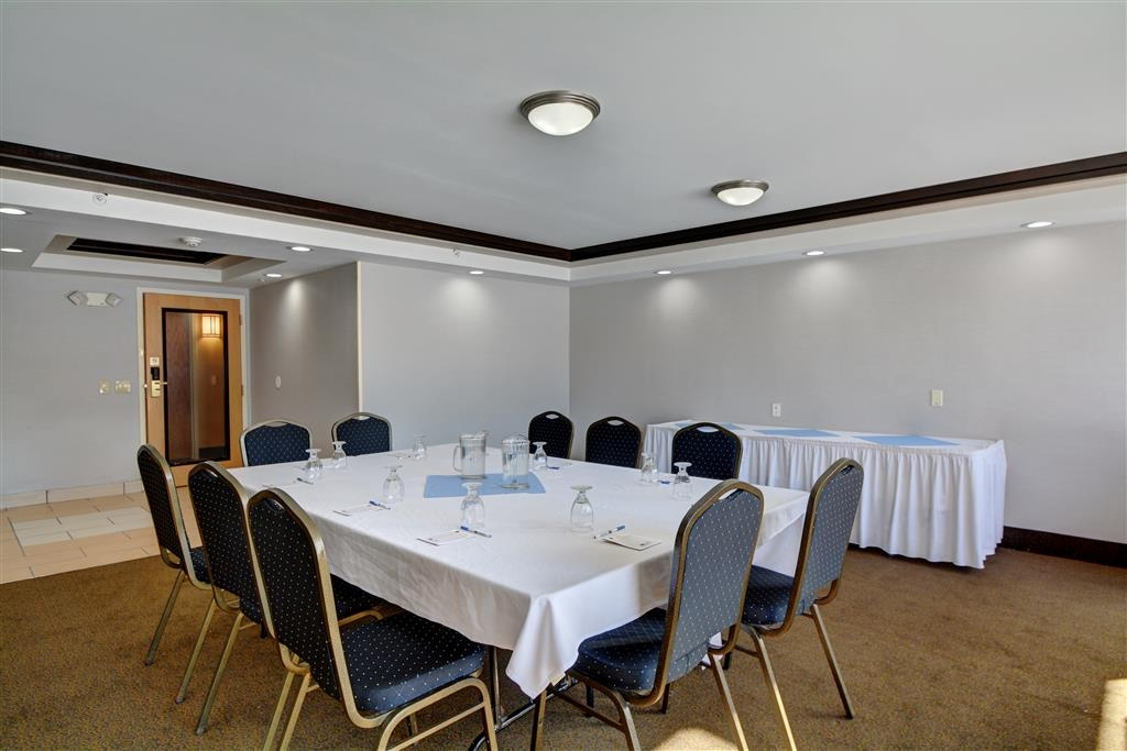 Best Western Plus Keene Hotel - Allow our professional staff to take care of you and your party in our Concord meeting room.