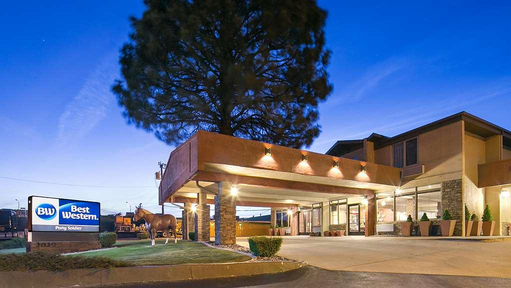 Best Western Pony Soldier Inn & Suites - Vordereingang