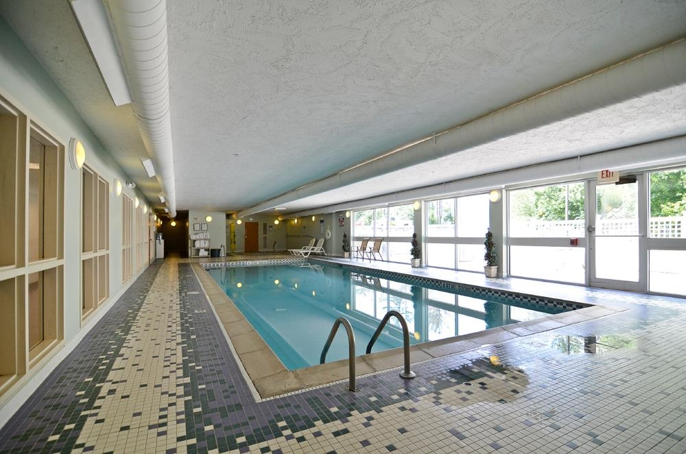 Best Western Plus Executive Court Inn & Conference Center - Our indoor heated pool is the perfect place to rejuvenate after a day of exploring.