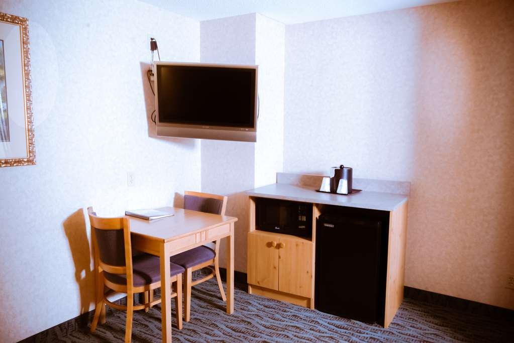 Best Western Plus Executive Court Inn & Conference Center - Suite