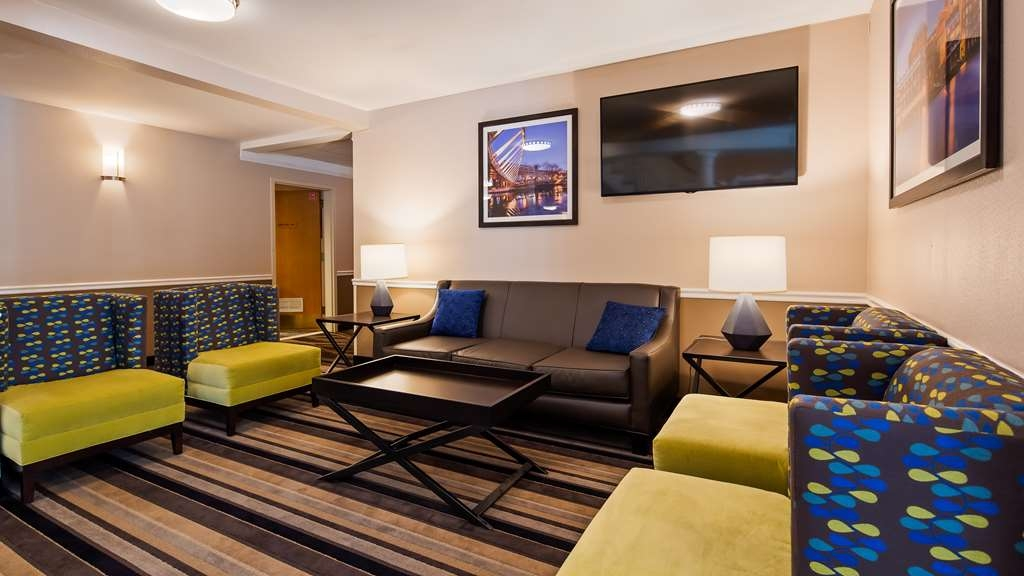 Best Western Plus Executive Court Inn & Conference Center - Sitting Area