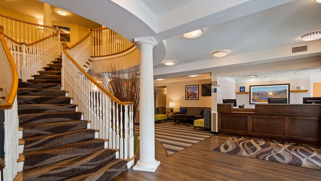 Best Western Plus Executive Court Inn & Conference Center - Vue du lobby