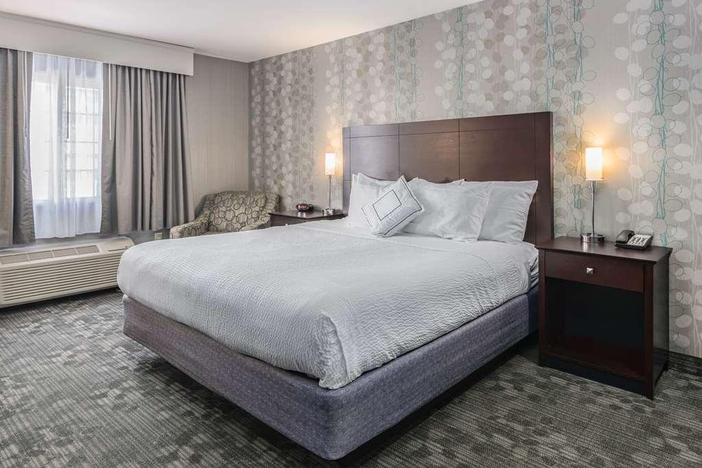 Best Western Concord Inn & Suites - King Room