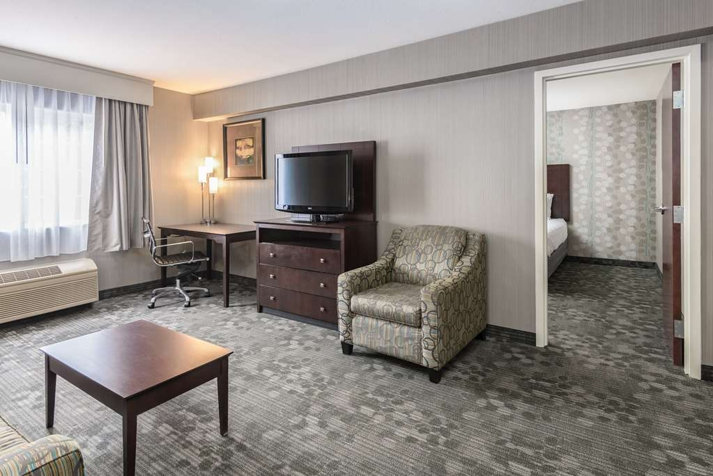 Best Western Concord Inn & Suites - Two Queen Suite