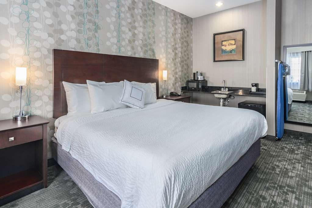Best Western Concord Inn & Suites - Mobility Accessible King