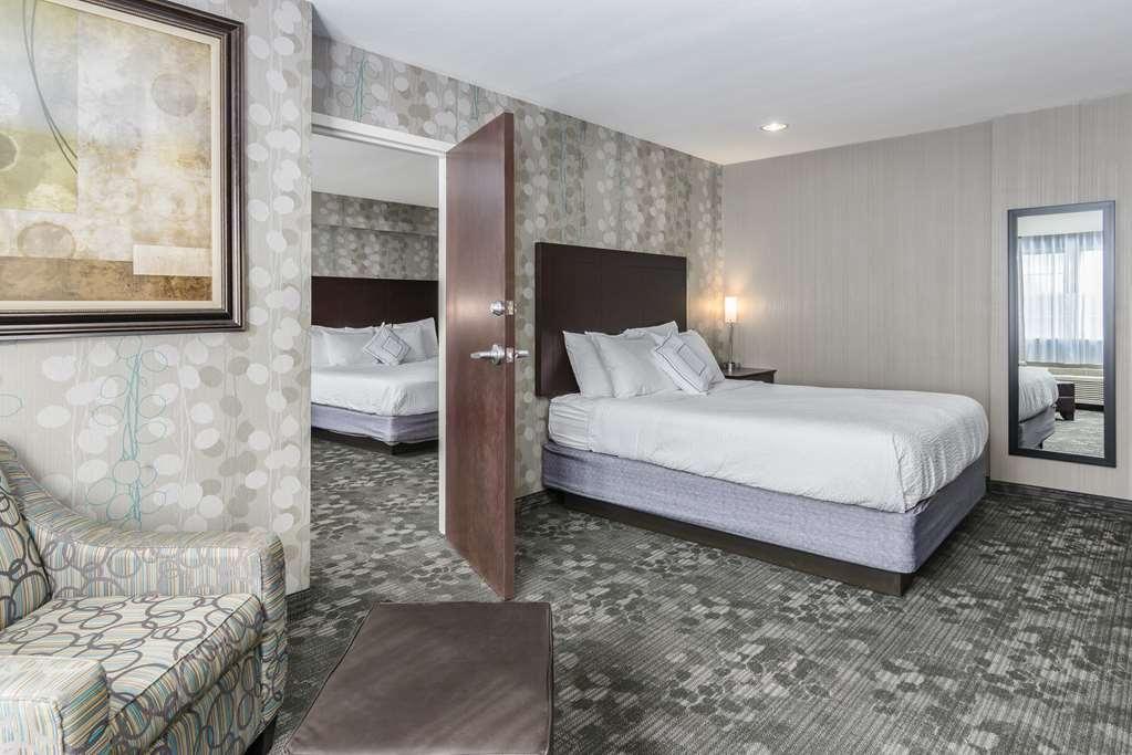 Best Western Concord Inn & Suites - Two Room Suite