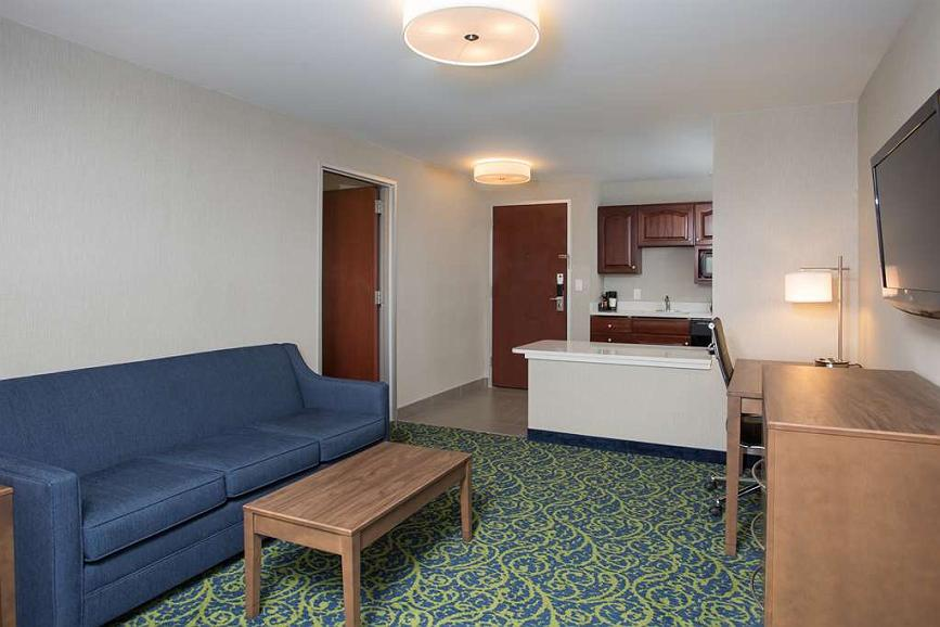 Miraculous Hotel In Portsmouth Best Western Plus Portsmouth Hotel And Theyellowbook Wood Chair Design Ideas Theyellowbookinfo