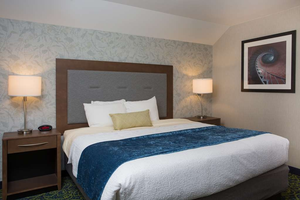 Best Western Plus Portsmouth Hotel and Suites - Suite