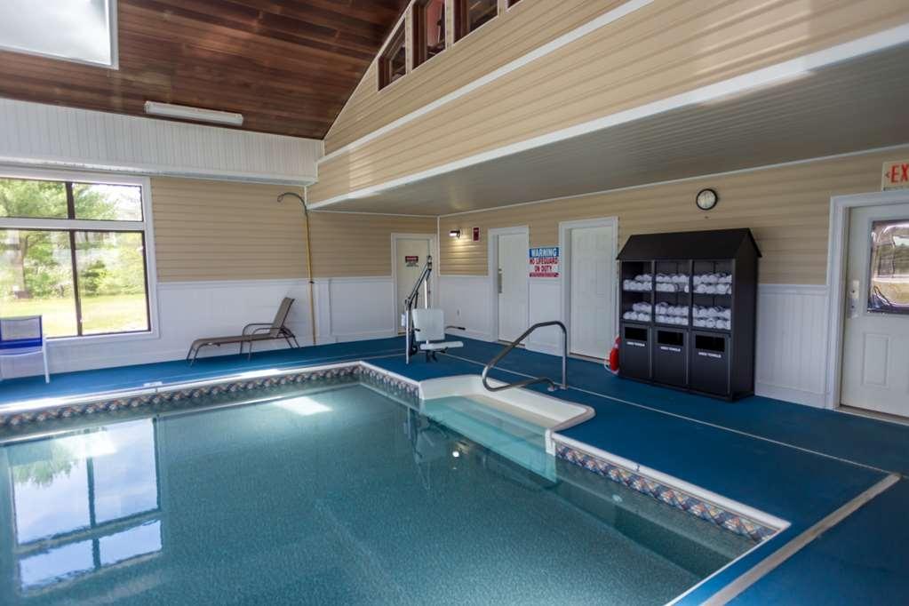 Best Western White Mountain Inn - Vista de la piscina