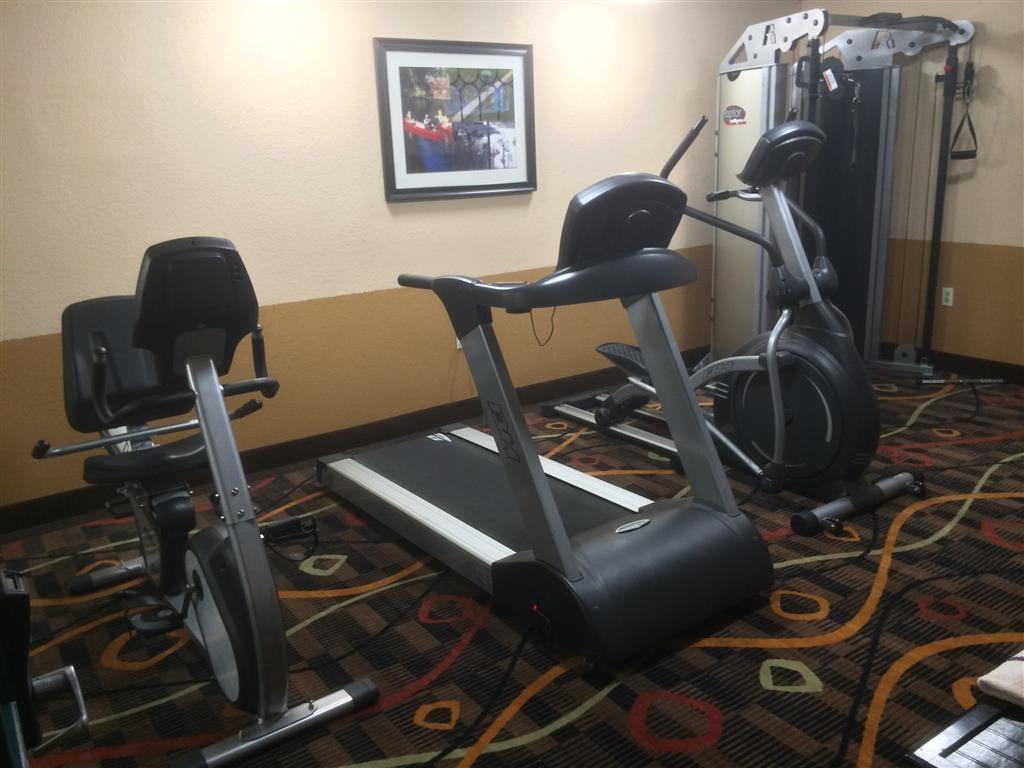 Best Western White Mountain Inn - Mantenga su rutina diaria de ejercicio en nuestro centro deportivo con un completo equipamiento.