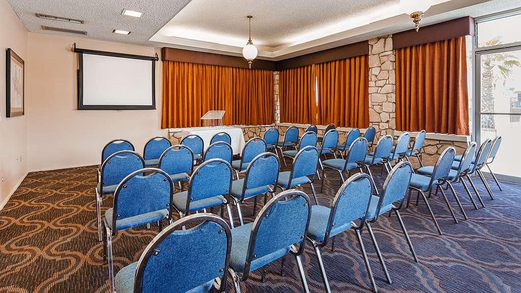 Hotel In Kingman Best Western Plus King S Inn Suites