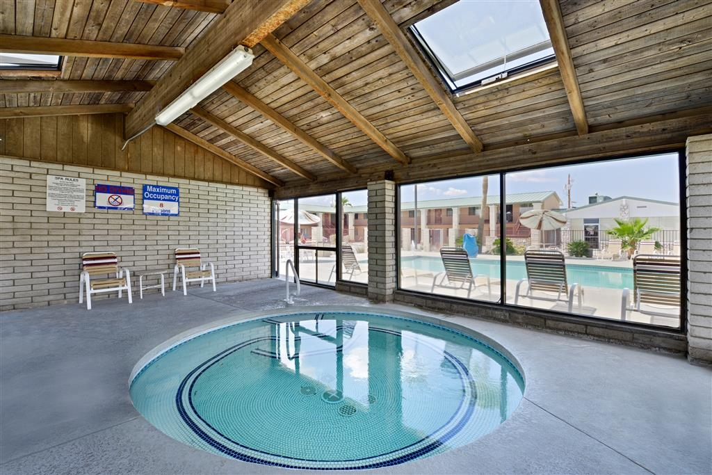 Best Western Plus King's Inn & Suites - The indoor hot tub has a mosaic tile finish and is kept at a perfect 102 degrees year round. Simply serene!