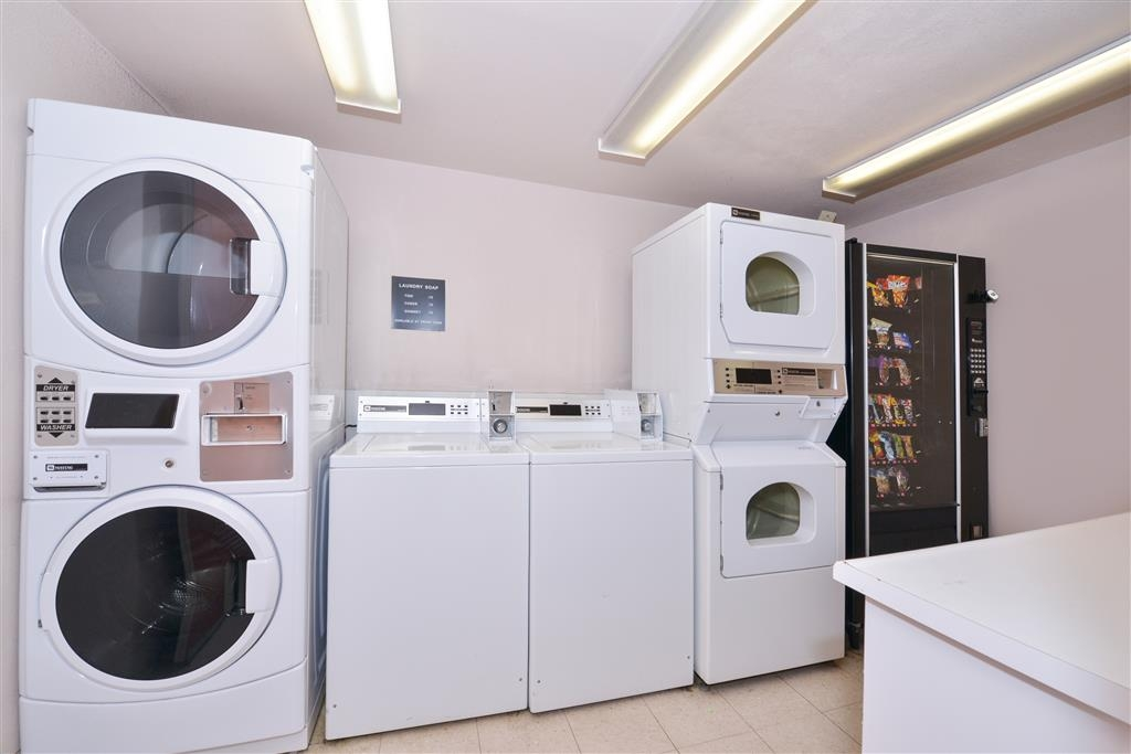 Best Western Plus King's Inn & Suites - A guest laundry facility is available for your use.