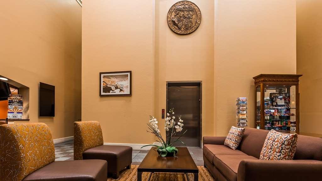Best Western Plus King's Inn & Suites - Hall