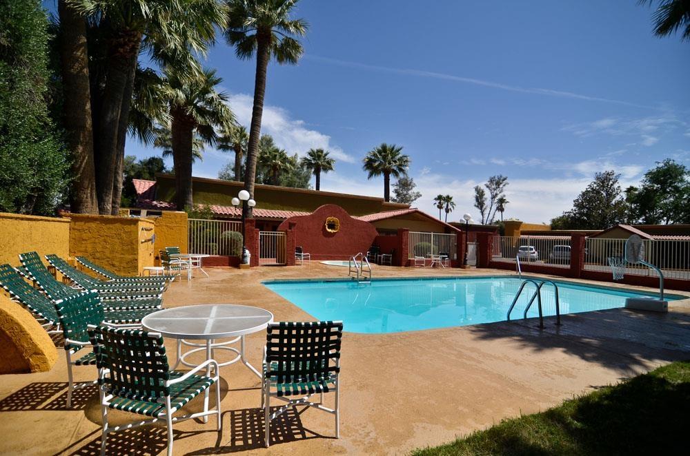 Best Western Rancho Grande - Nehmen Sie ein Bad in unserem Swimmingpool im Freien!
