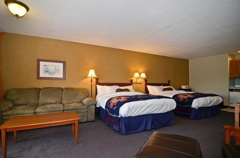 Best Western Rancho Grande - 2 Queen Beds & Sofa Sleeper