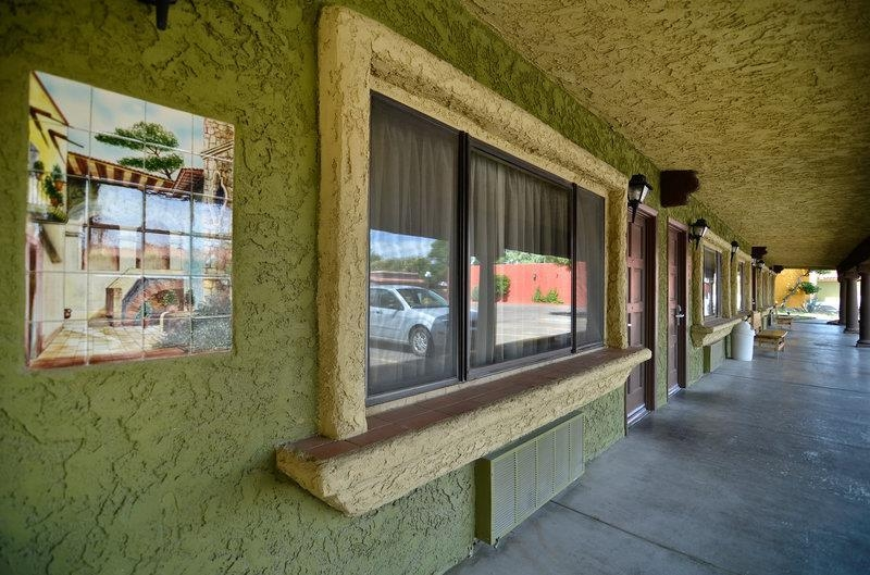 Best Western Rancho Grande - Enjoy the convenience of pulling right up to your room with our exterior corridors.