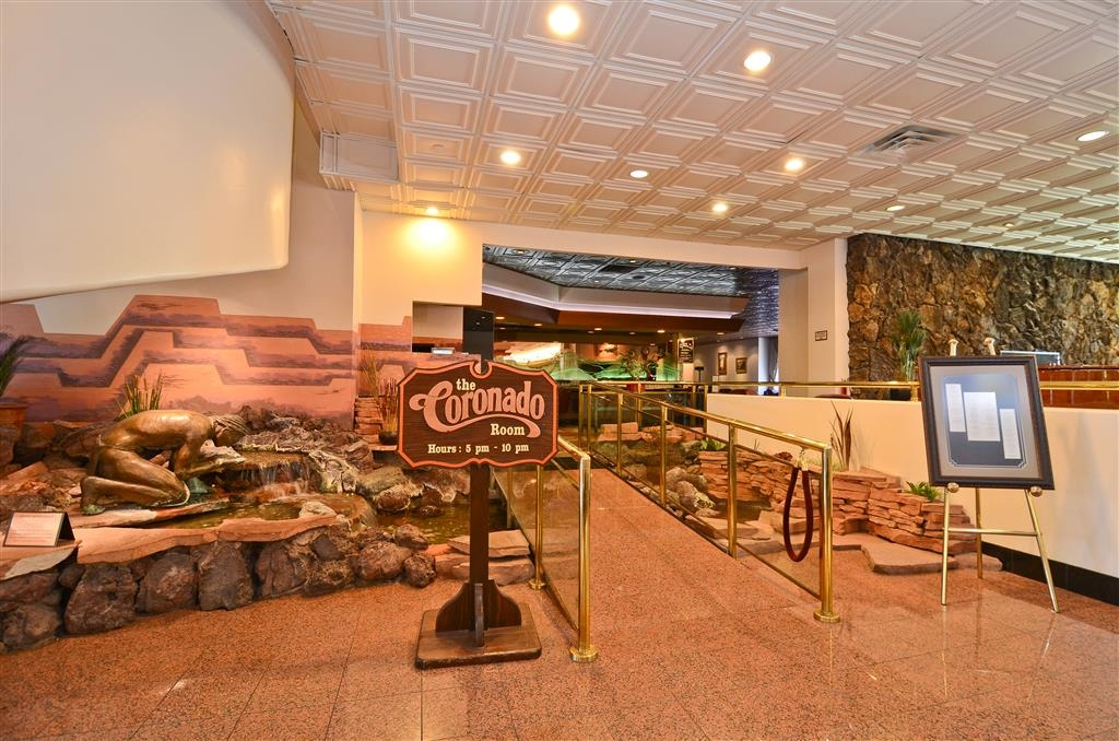 Best Western Premier Grand Canyon Squire Inn - Entrada al restaurante