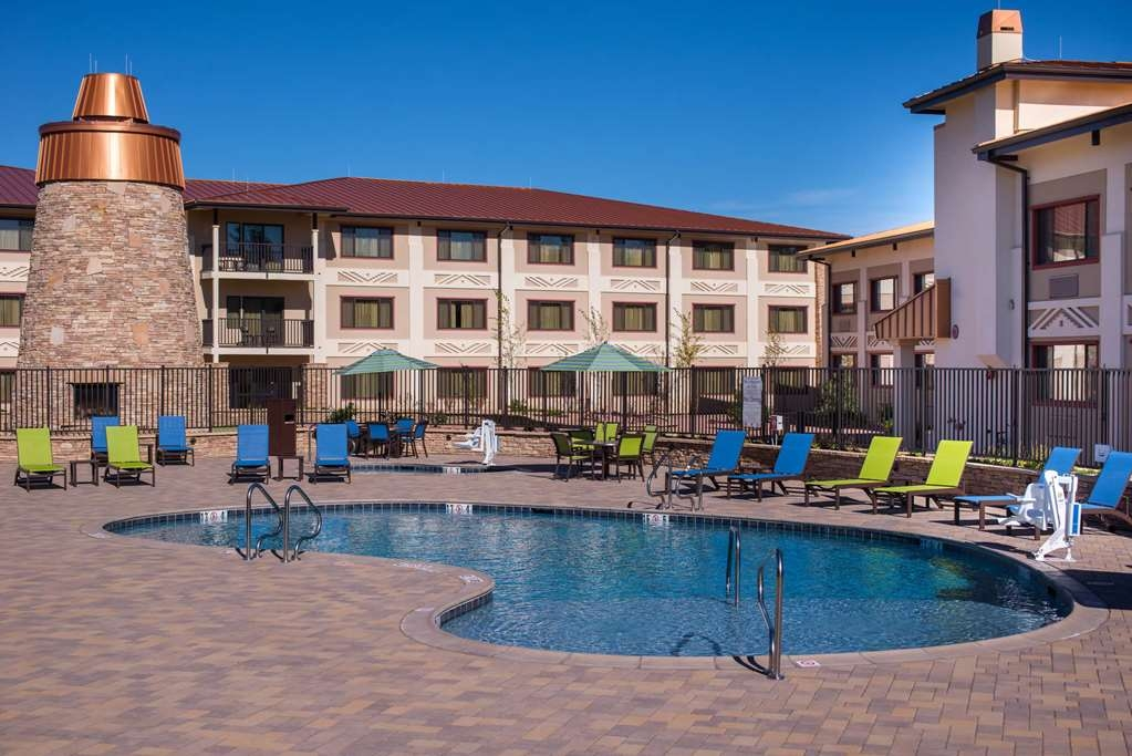 Best Western Premier Grand Canyon Squire Inn - Vista de la piscina