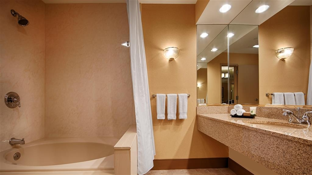 Best Western Premier Grand Canyon Squire Inn - Baño