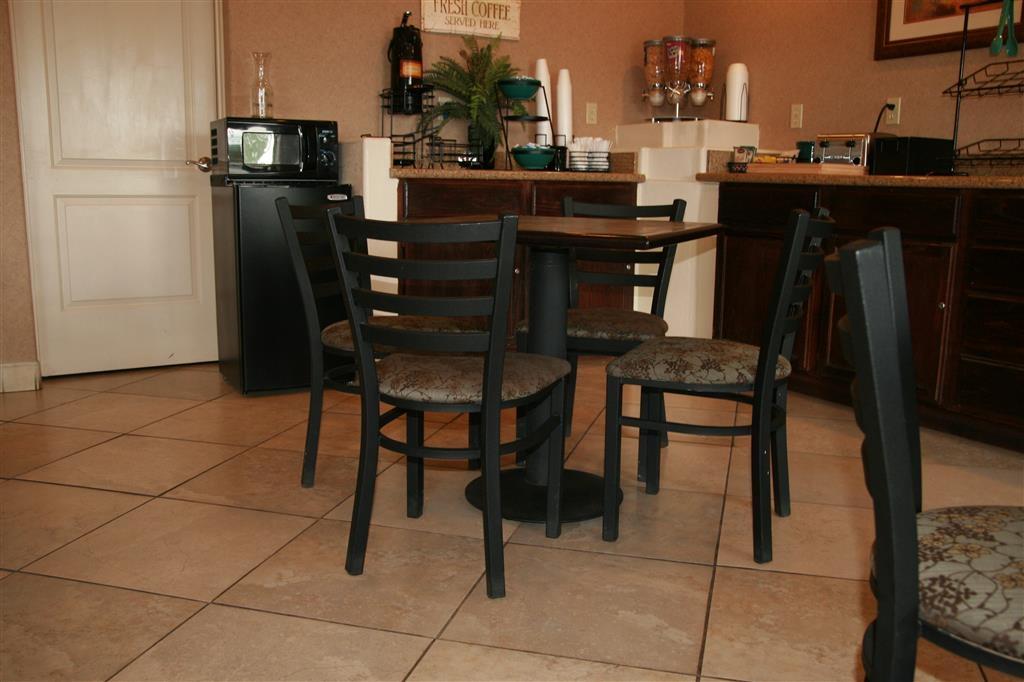 Best Western Desert Inn - Enjoy complimentary breakfast when you stay with us.