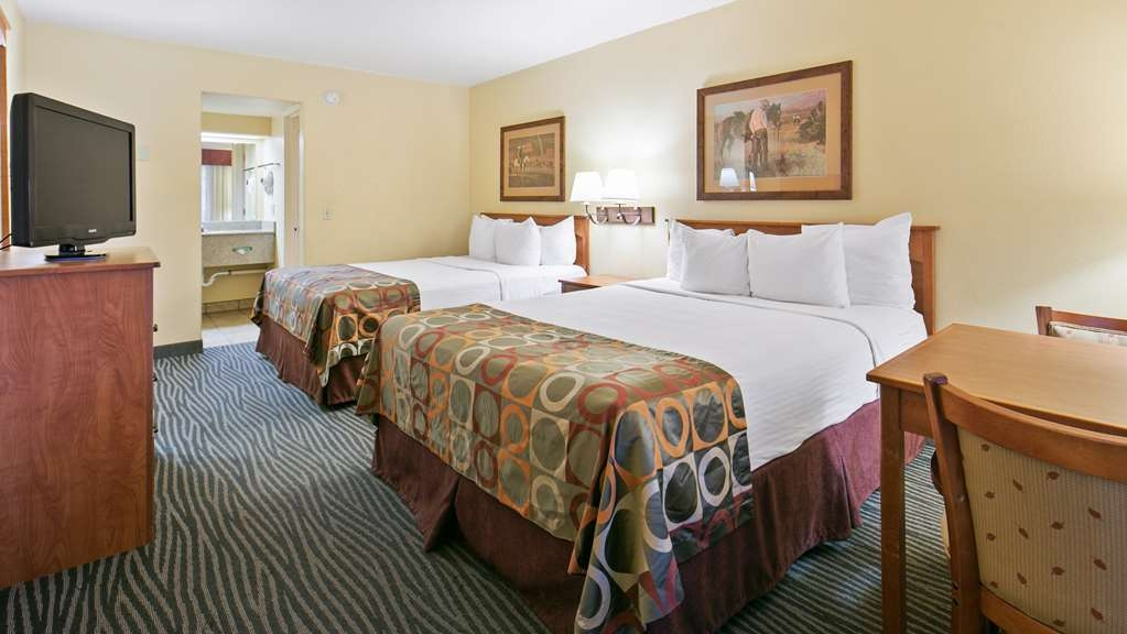 Best Western Desert Inn - Indulge yourself in our warm, welcoming and inviting QQ room.