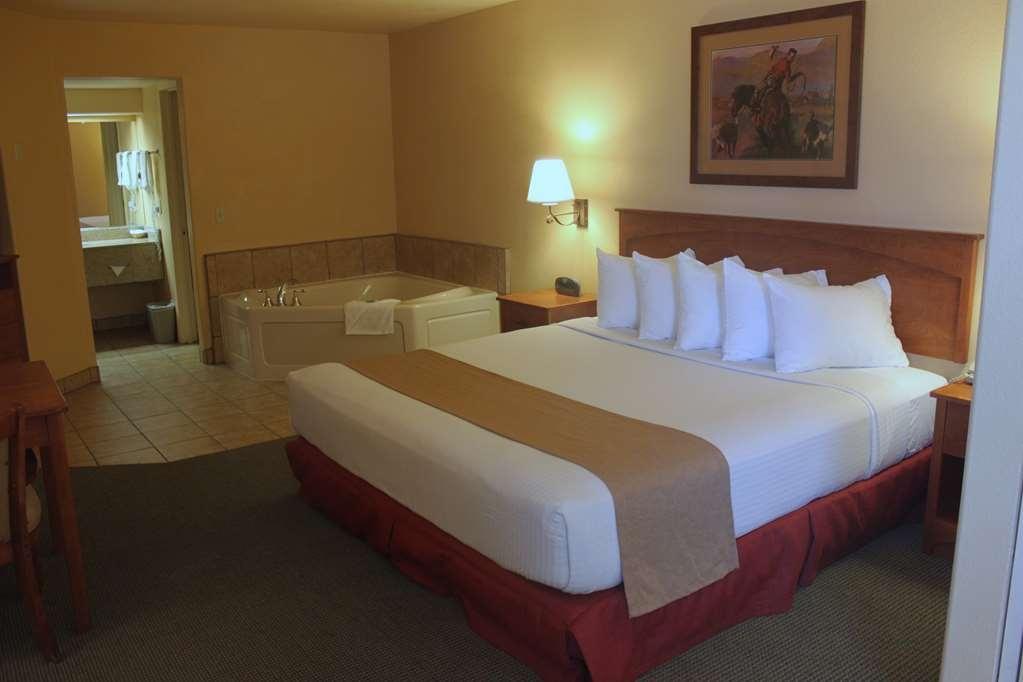 Best Western Desert Inn - King Jacuzzi® Tub Suite