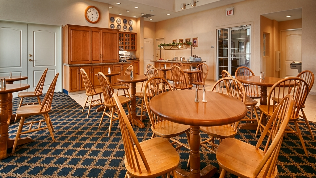 Best Western Plus A Wayfarer's Inn and Suites - Restaurant / Gastronomie