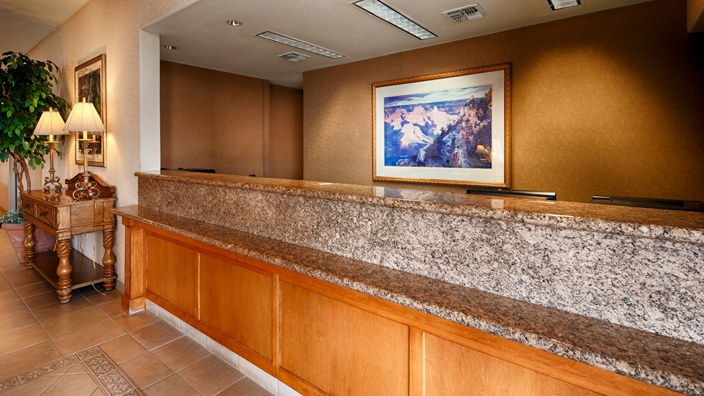 Best Western Plus A Wayfarer's Inn and Suites - empfang
