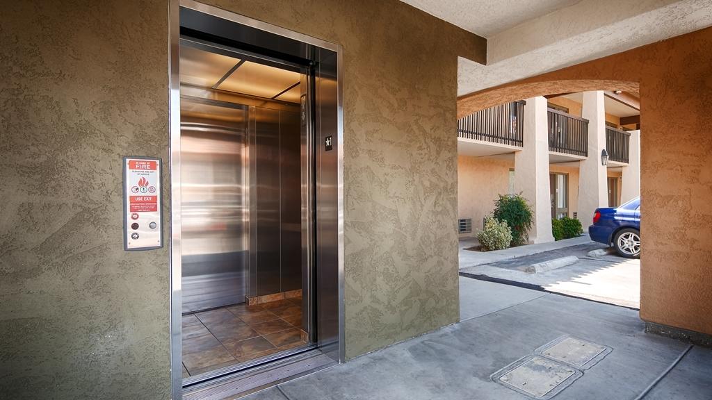 Best Western Plus A Wayfarer's Inn and Suites - proprietà amenità