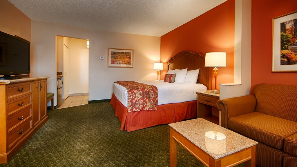 Best Western Plus A Wayfarer's Inn and Suites - Choose from a one King Guest Room or one king suite