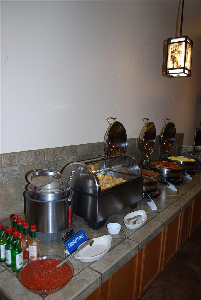 Best Western Prescottonian - We offer a large variety of hot and cold breakfast options.