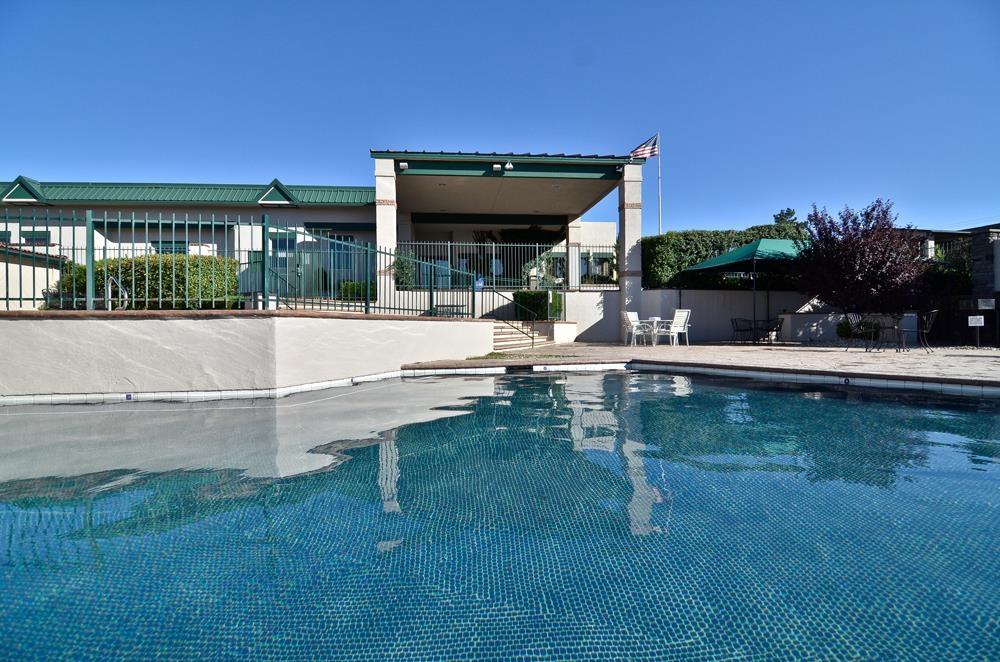 Best Western Prescottonian - Beheizter Swimmingpool (im Freien), saisonal geöffnet