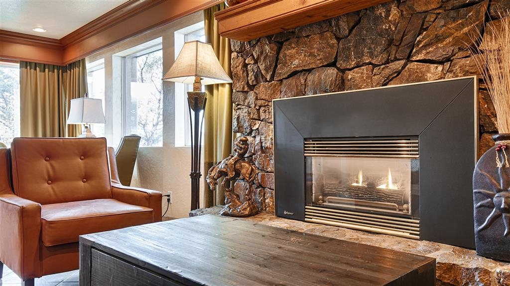 Best Western Prescottonian - Cozy up to a warm fire in our hotel lobby.