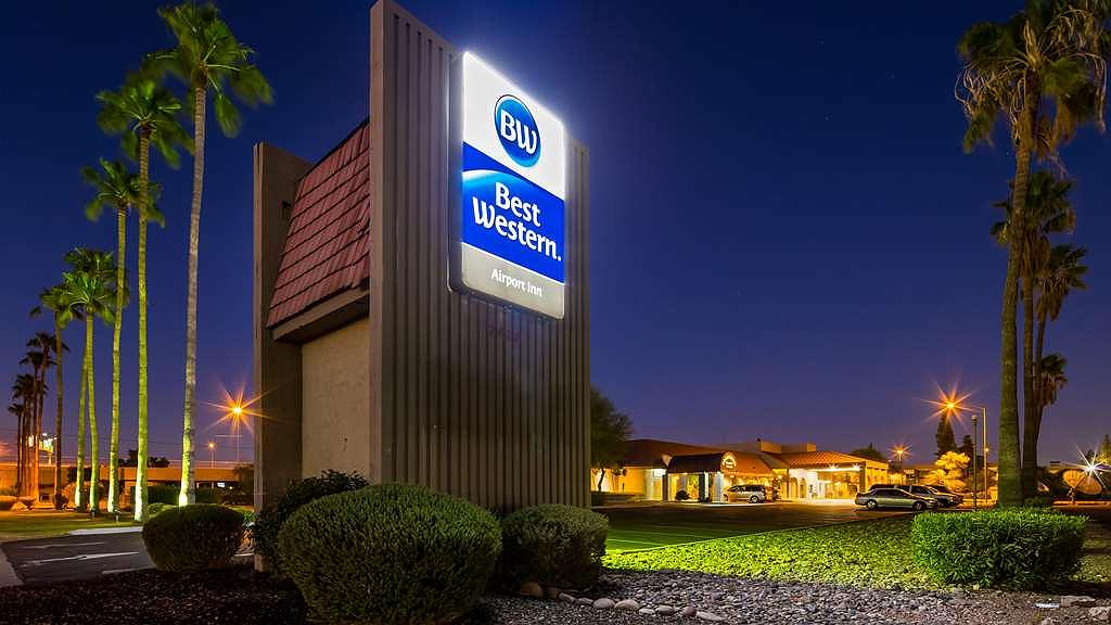 Best Western Airport Inn - Sleep and Fly Rates in our ``SEE MORE RATES`` section. 4 miles from downtown Phoenix.