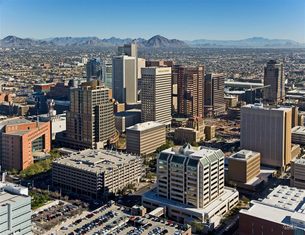 Best Western Airport Inn - Take in the sights and sounds of Downtown Phoenix!