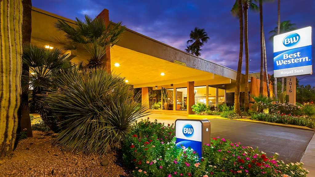 Best Western Royal Sun Inn & Suites - Vista Exterior