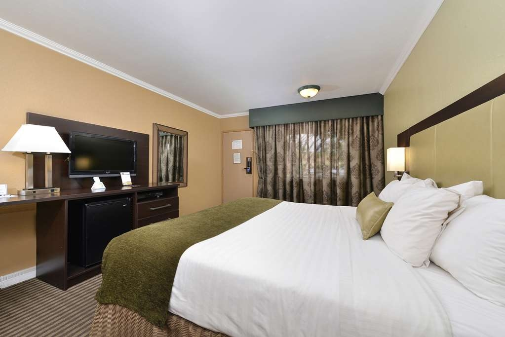Best Western Royal Sun Inn & Suites - Gästezimmer