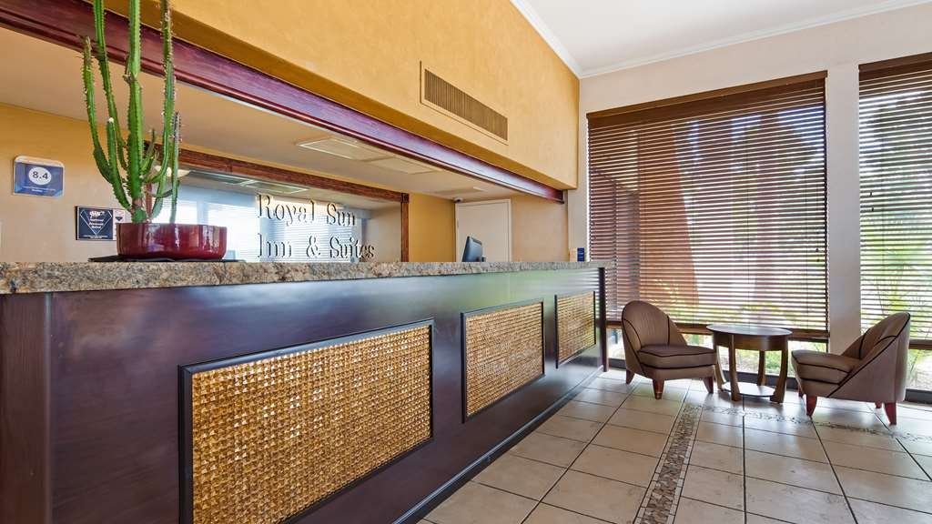 Best Western Royal Sun Inn & Suites - Lobbyansicht
