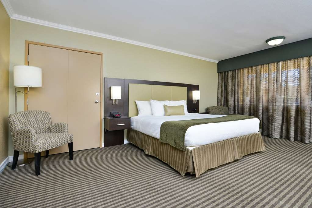 Best Western Royal Sun Inn & Suites - Suite