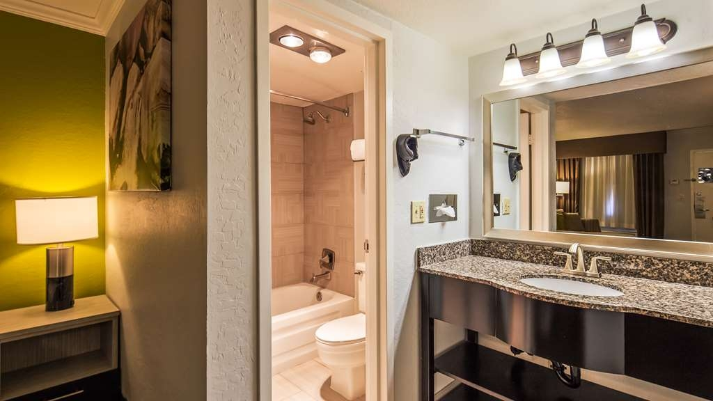 Best Western InnSuites Phoenix Hotel & Suites - Our spacious vanity lets you spread out.