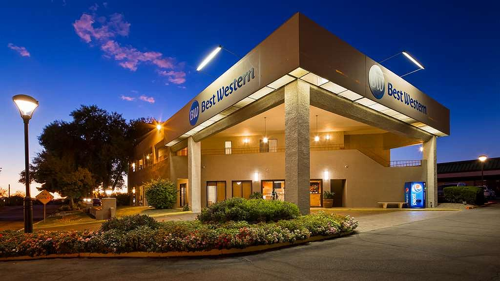 Best Western InnSuites Tucson Foothills Hotel & Suites - Facciata dell'albergo
