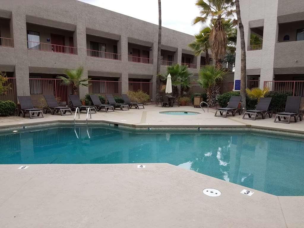 Best Western InnSuites Tucson Foothills Hotel & Suites - Pool Upper Deck
