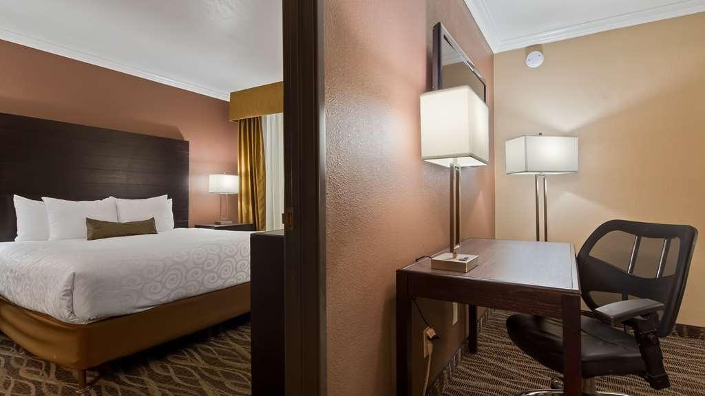 Best Western InnSuites Tucson Foothills Hotel & Suites - King Suite - Two Rooms