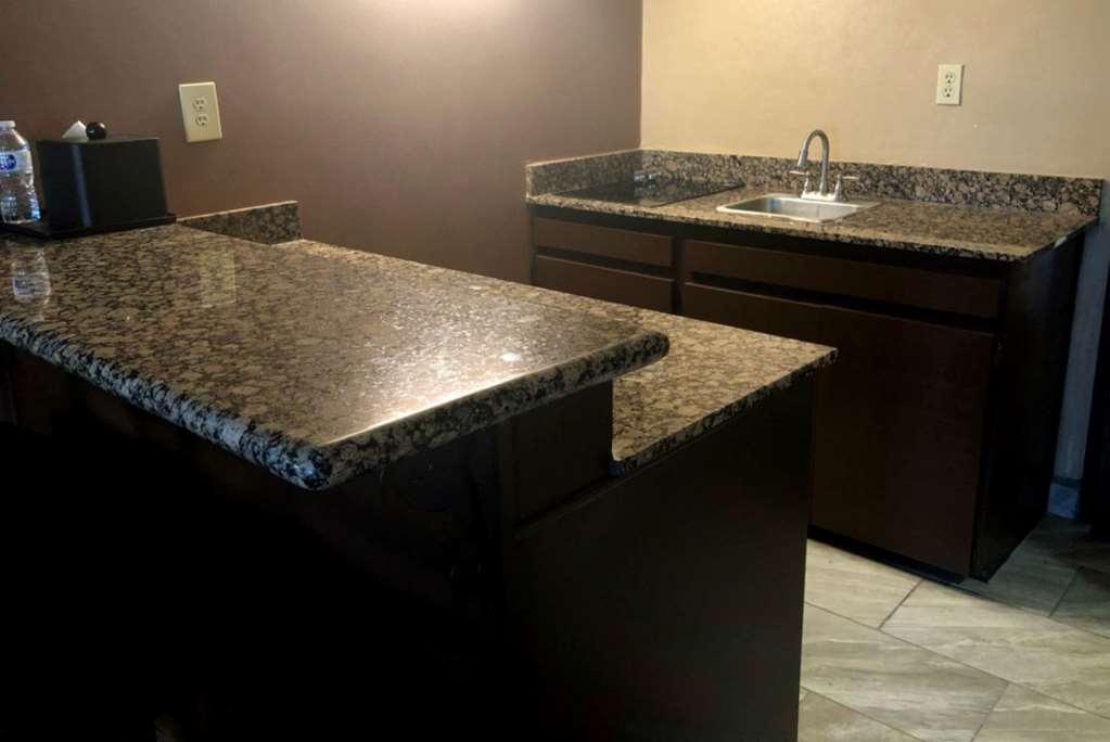 Best Western InnSuites Tucson Foothills Hotel & Suites - Chambre d'agrément