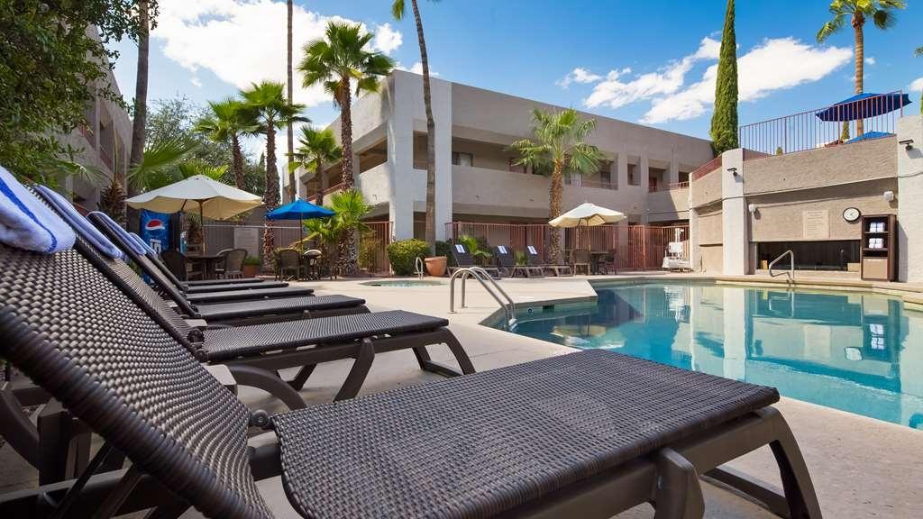 Best Western InnSuites Tucson Foothills Hotel & Suites - Outdoor Pool