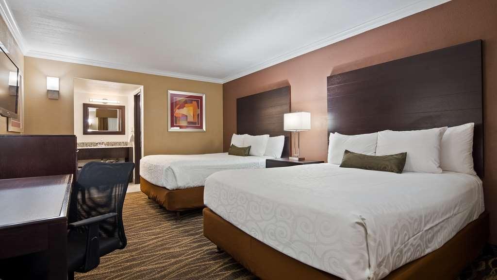 Best Western InnSuites Tucson Foothills Hotel & Suites - Two Queen Guest Room